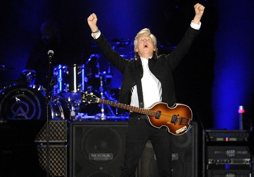 A los 76 años, Paul McCartney armó una fiesta en el Campo de Polo
