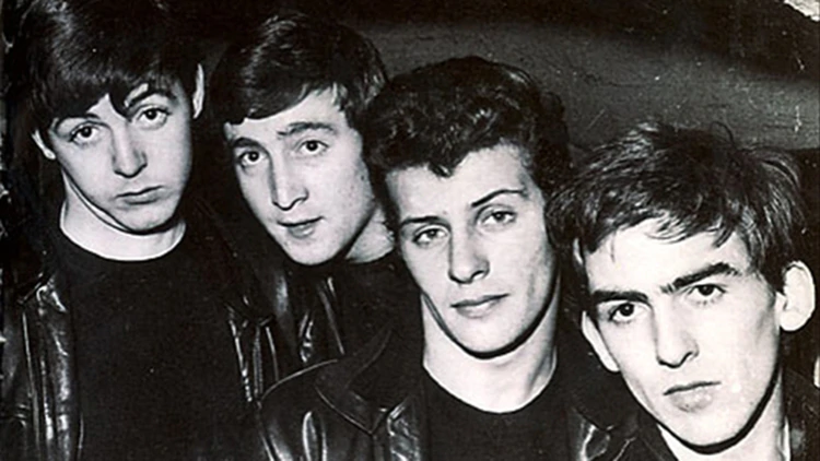 La increíble historia de Pete Best, el Beatle que no fue y se quedó sin la gloria