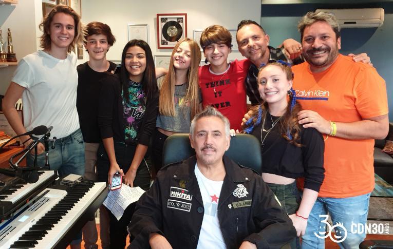 Alejandro Lerner grabó un tema junto a un grupo de influencers para Unicef