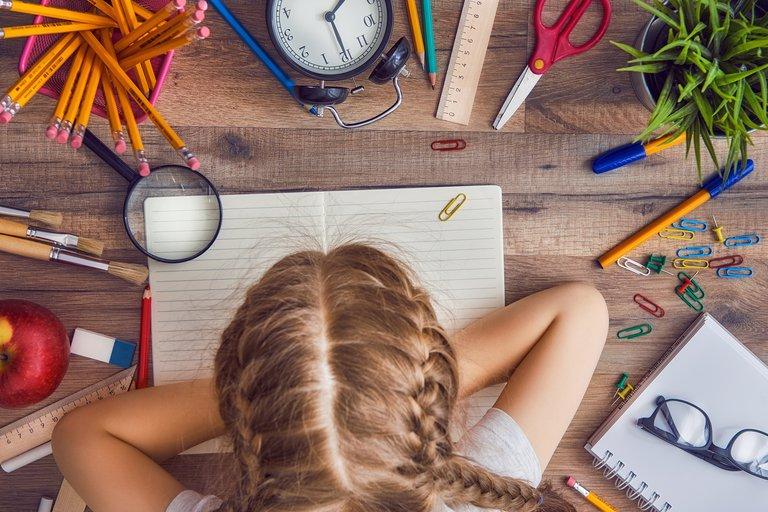 ¿Escribir a mano pasó de moda? Qué pasa con el lápiz y el papel en tiempos de homeschooling
