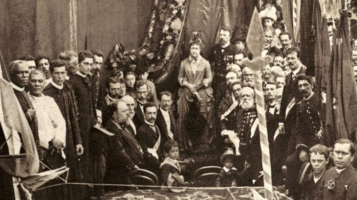 Missa_campal_celebrada_em_ação_de_graças_pela_Abolição_da_Escravatura_no_Brasil,_1888_-_Corte