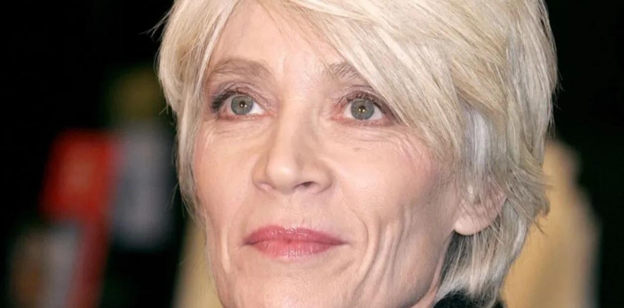 Françoise Hardy, la mítica cantante que ayudó a morir a su madre ahora reclama su propia eutanasia
